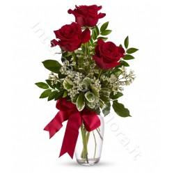Tre rose rosse a domicilio
