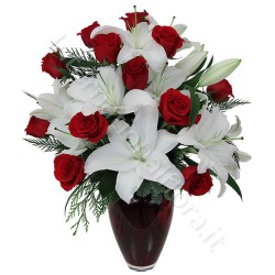 Bouquet di Rose rosse e Gigli bianchi