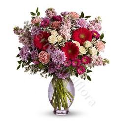 Bouquet di Fiorellini dai toni del rosso internationalflora.com