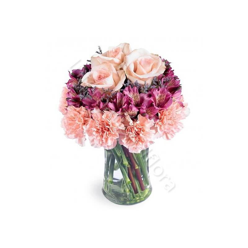 Bouquet di Garofani, Alstroemerie e Rose internationalflora.com