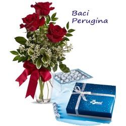 Scatola di Baci Perugina con Bouquet di 3 Rose rosse
