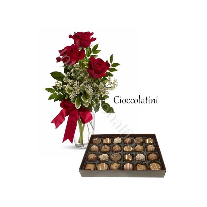 Piccolo cuore di Rose con Baci Perugina e Orsacchiotto internationalflora.com