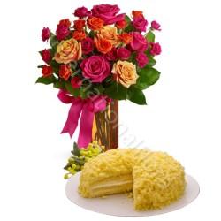 Torta Mimosa con Bouquet di Roselline
