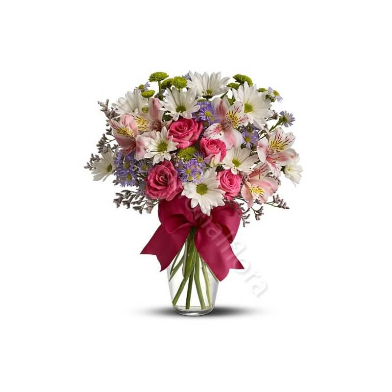 Bouquet beautiful di Fiori misti dai toni  pastello internationalflora.com
