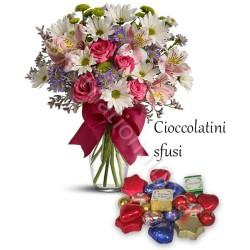 Bouquet beautiful di Fiori misti con Cioccolatini sfusi