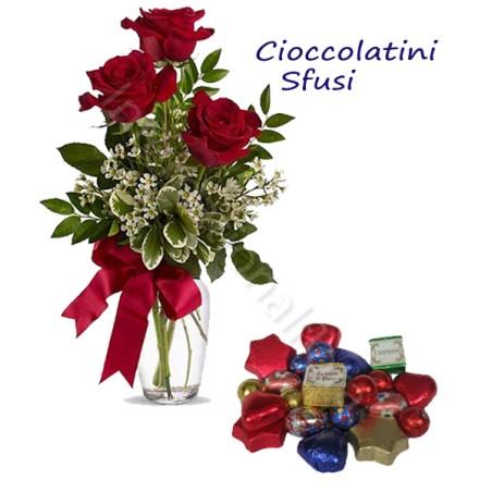 Sacchetto di Cioccolatini sfusi con Bouquet di 3 Rose rosse