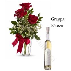 Bottiglia di Grappa Bianca con Bouquet di 3 Rose rosse