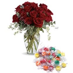 Bouquet di 12 Rose rosse con Caramelle