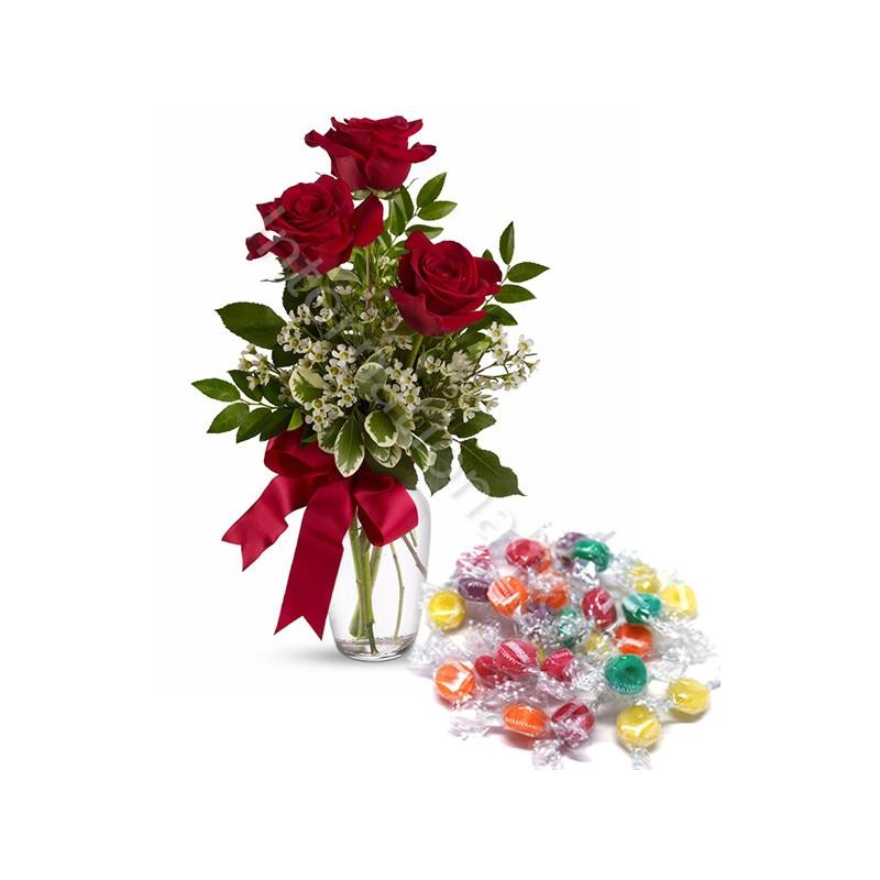 Bouquet di tre Rose rosse con Caramelle internationalflora.com