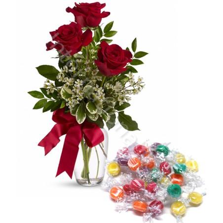 Bouquet di tre Rose rosse con Caramelle