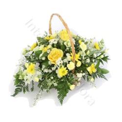Cesto funebre di Rose e Fiori gialli
