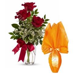 Tre Rose rosse con Uovo di Pasqua