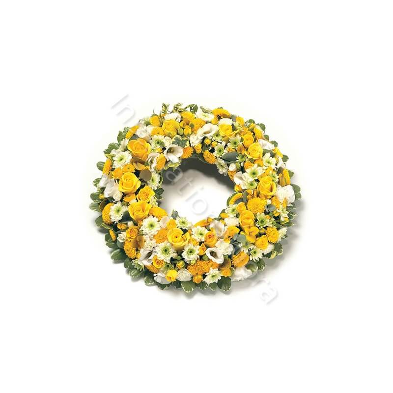 Corona funebre di Rose gialle e fiori bianchi internationalflora.com