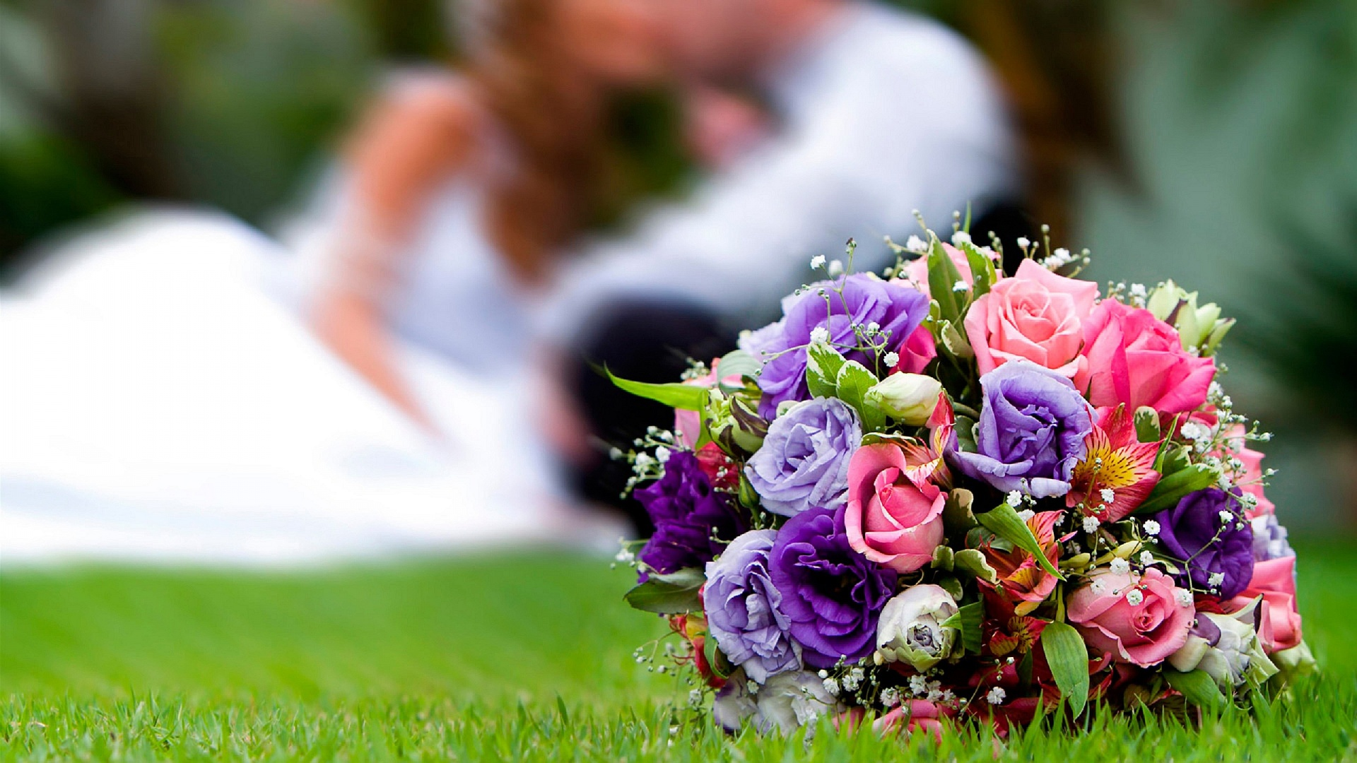 Flowers to give for a wedding