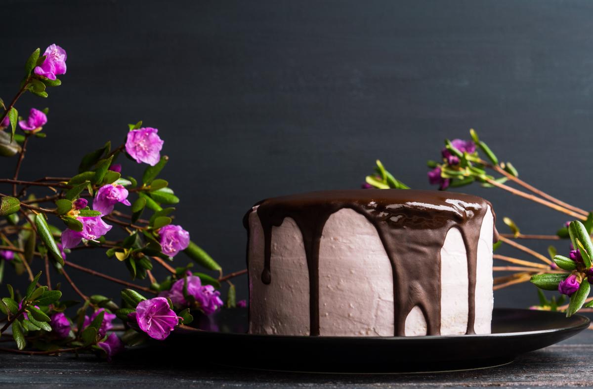 Come spedire fiori e torta insieme per rendere speciale un compleanno