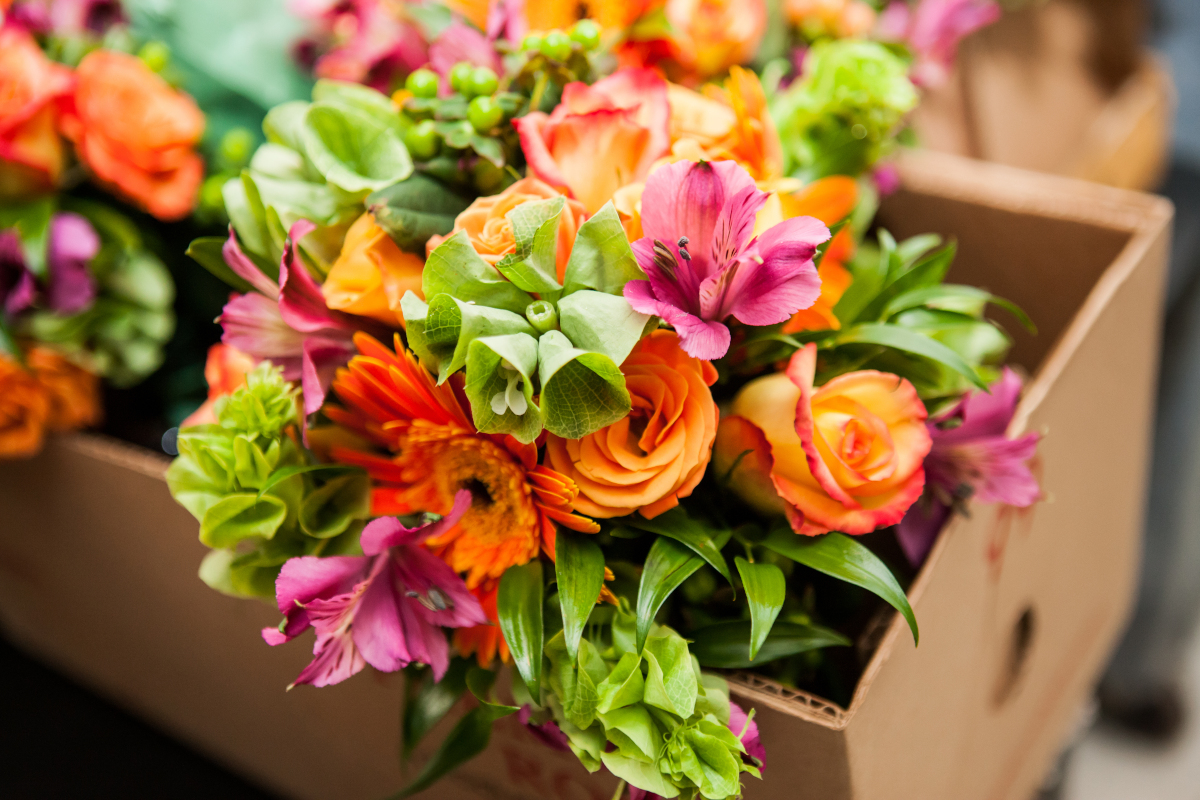 Meglio regalare un bouquet colorato o dalle stesse tonalità?