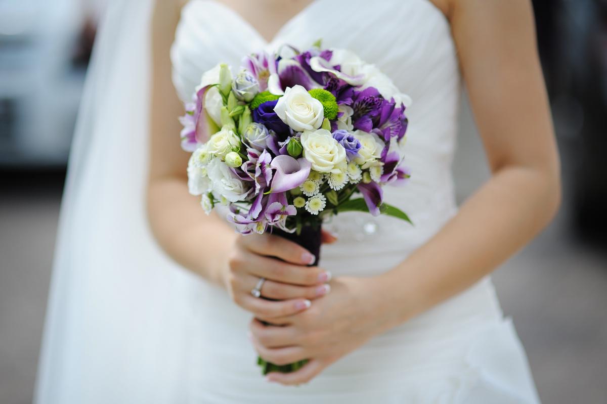 Quali sono i fiori autunnali per un bouquet da sposa?