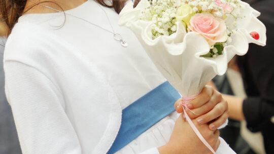 Dai Gigli alle Rose: tutti i fiori per prima la comunione